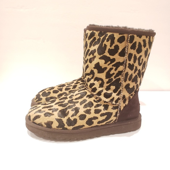78702c907b8 UGG s/n 1002790 leopard boots